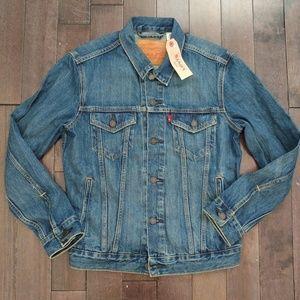 Levi's Medium wash denim jacket size small men's